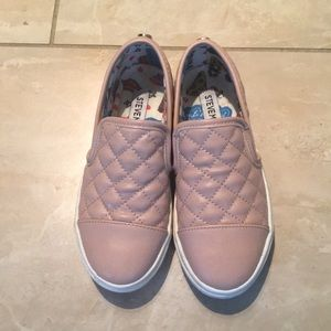 Steve Madden quilted girls leather slip in